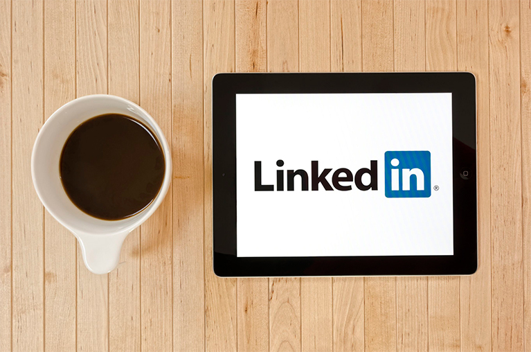 How to Write a Legendary LinkedIn Profile Summary